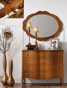 Schubladenkommode im klassischen Stil